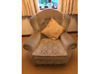 3 piece suite in mold free just needs picking up