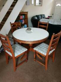 Wooden Round Extendable Dining Table and Chairs