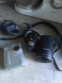 2 digital cameras spares or repairs