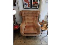 Vintage Mid century Parker Knoll Statesman Egg Swivel Chair