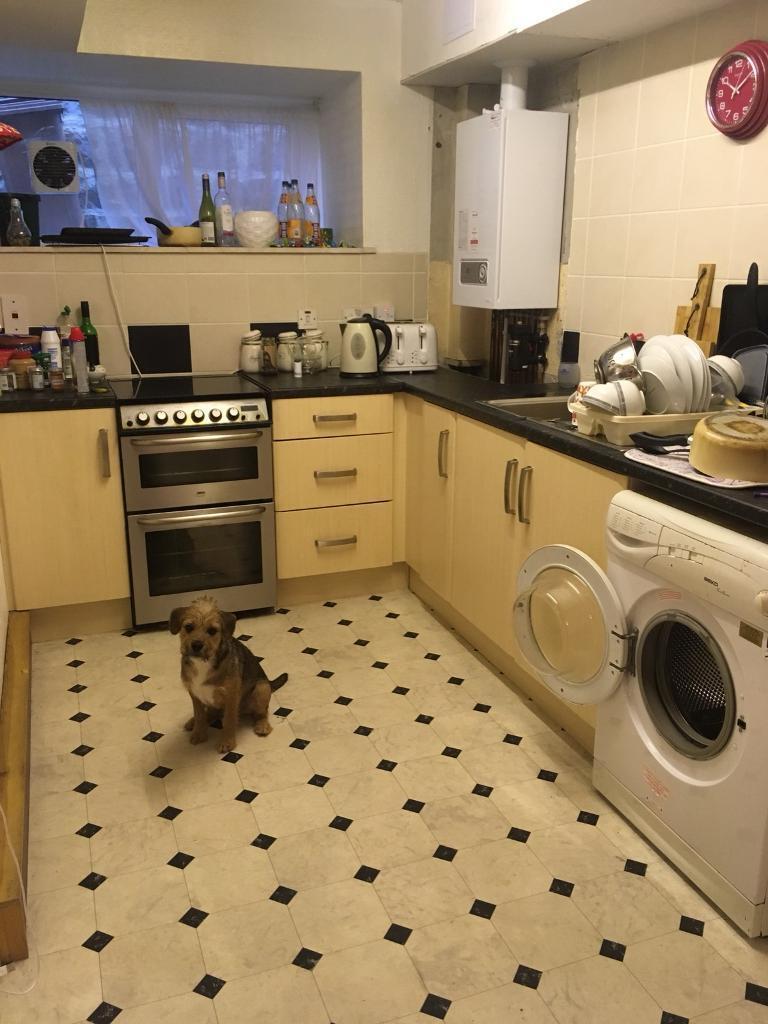 300 double room to rent in aberdeen gumtree. Black Bedroom Furniture Sets. Home Design Ideas