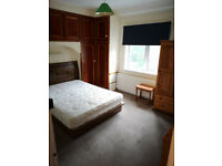Double rooms available in a five bedroom property located in the Cowley area