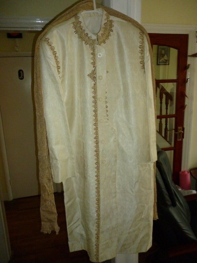 beautiful excellent quality indian wedding outfit,will fit any tall medium built man,used once only.