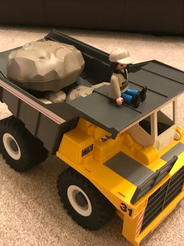 Playmobil dump truck and crane