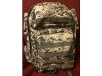 Celestron 81000-CGL Camouflage Backpack. Brand New. Ideal for outdoor photographer.