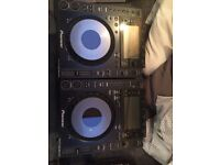 2 X Pioneer CDJ 900 NEXUS Decks as new. £ O.N.O