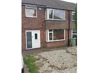 3 bedroom semi to rent in Dronfield