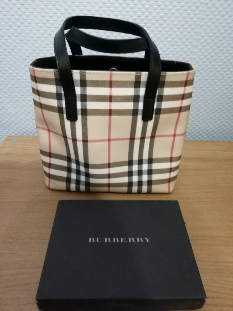 Authentic burberry bag and purse  dccbfe275a6d8