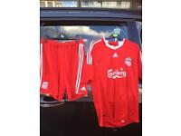 Liverpool out fit L