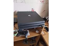 Massive PS4 Pro bundle - Console + 3 games, 1TB HDD + headset