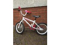 Girls bike Hello Kitty . Age 5-7 years approx ex condition