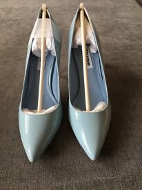 Dune Blue patent pointed work court size 3 (36)