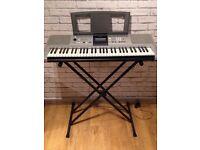 Yamaha Electronic Keyboard PSR E323