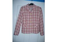 Ladies wool jacket suit size 12. Excellent condition.