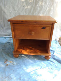 SOLID PINE BEDSIDE CABINET WITH DRAWER