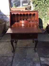Delightful lady's small writing desk ,locks with key, lots compartments