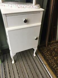 Pretty White bedside cabinet table