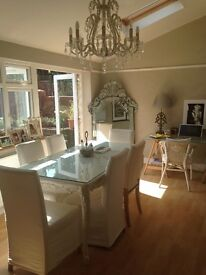 LARGE STUNNING DOUBLE ROOM WITH PRIVATE LOUNGE STUDIO IN LOVELY HOUSE NR TO TRAIN STATION