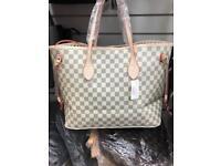 Louis Vuitton bag beautiful brand new
