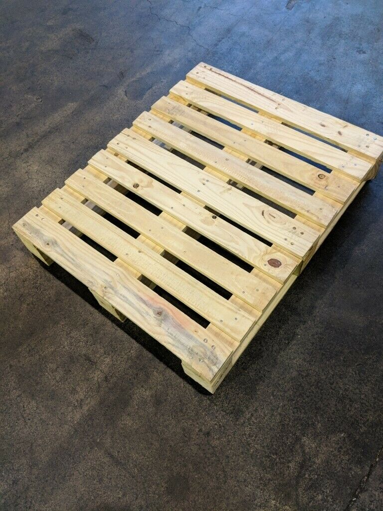 Wooden pallets for sale 970mm x 780mm very clean, good ...