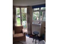 Studio/annexe for single working person. Short term let. Central St Austell.