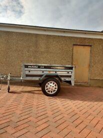 Daxara 168 car trailer.
