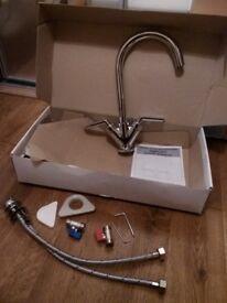 Chrome lever kitchen monoblock taps