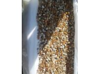 10kg+ of mixed collor gravel, just enough for £120l fish tank - £10