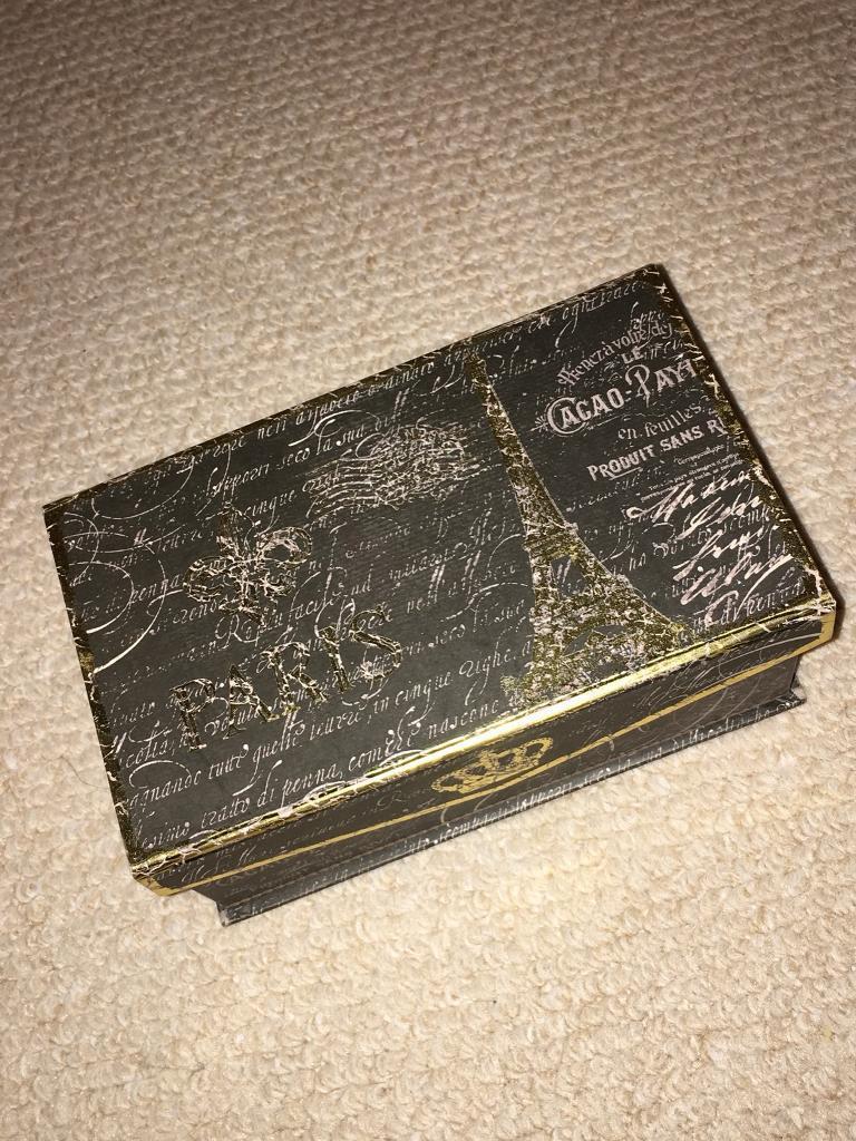 Paris music box