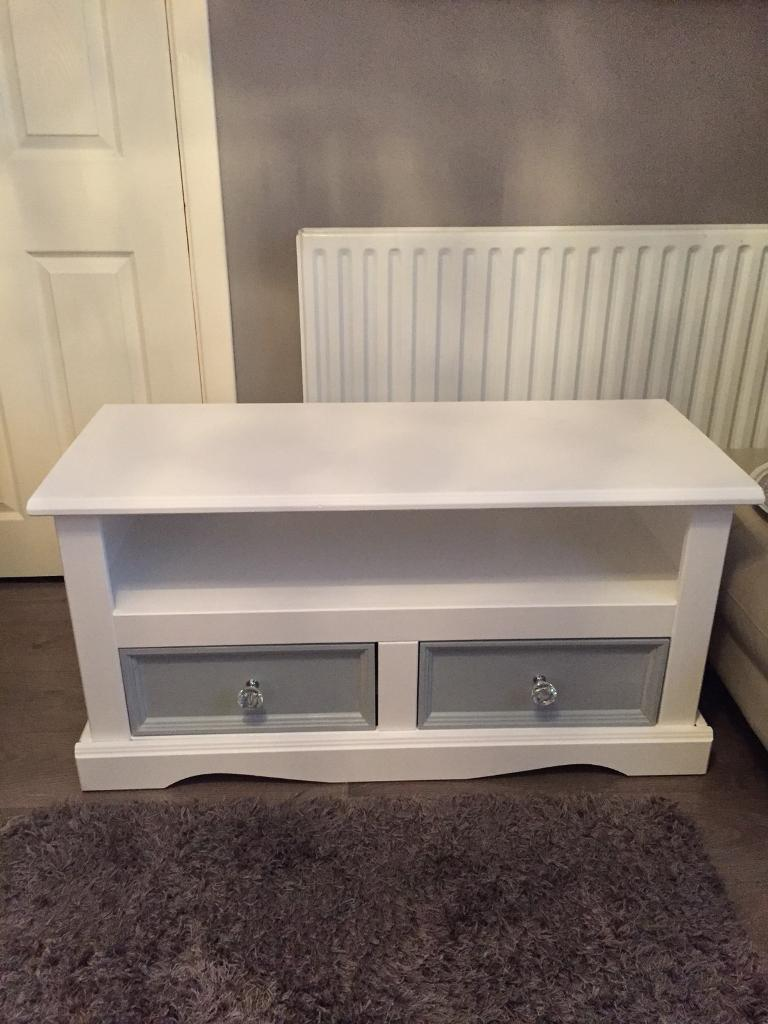 Lovely tv stand/cabinet/unit