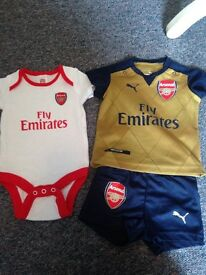 Arsenal baby clothes 0-4 months