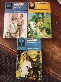 3 Vintage Mills and Boon Paperback Books 1974 - 850, 864 & 879