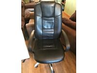 Large Office Swivel Chair Black By Igo Excellent Condition.