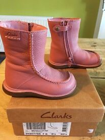 Clarks Snuggle Up pink leather boots - size 4.5