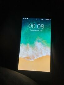 iPhone 6 - fully functioning except small crack UNLOCKED