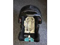 Graco Junior Baby Group 0+ Car Seat - Black 0-13kg with base