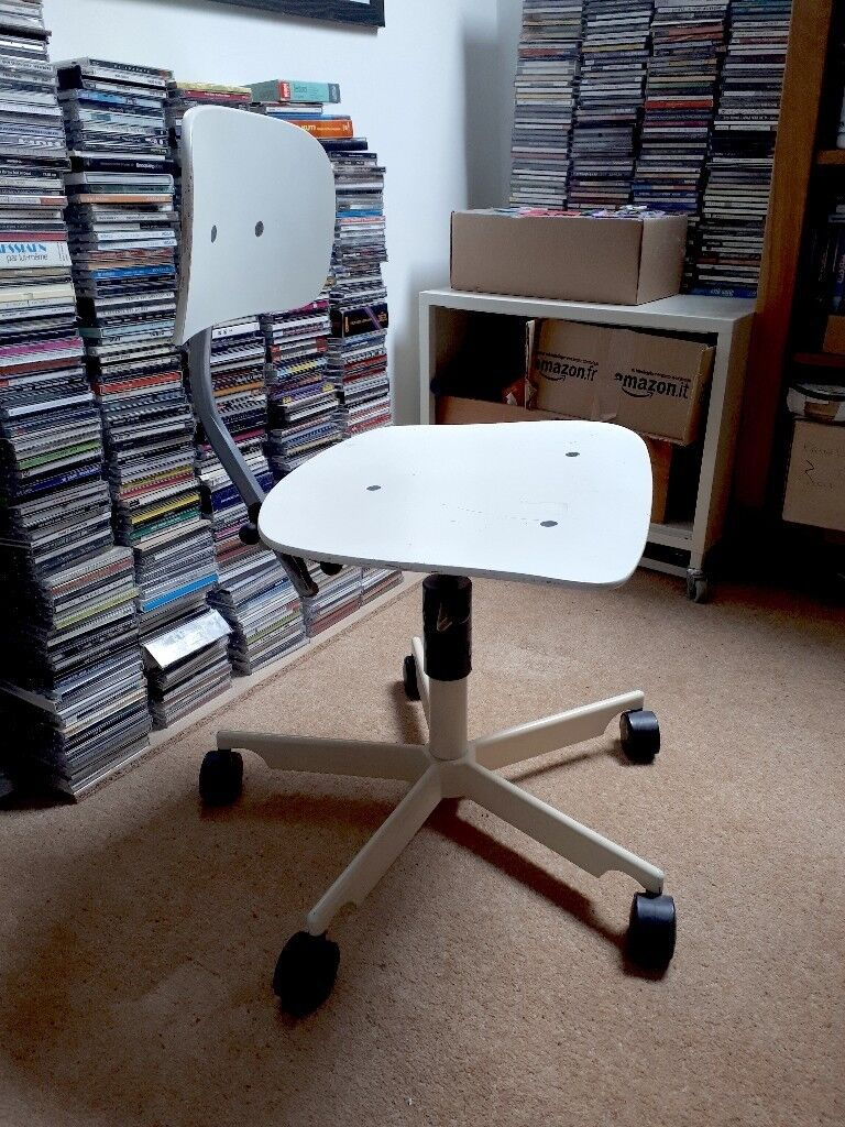 Vintage Kevi White Desk Chair From The 80s A Scandinavian Design Classic By Jorgen Rasmussen