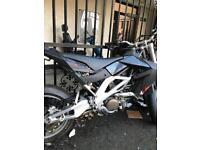April is sxv 550 super moto
