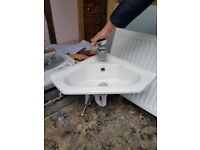 CORNER SINK with Waterfall tap for £10