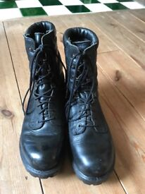 Army boots Size 7 used