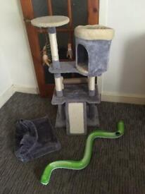 Cat tree and bundle