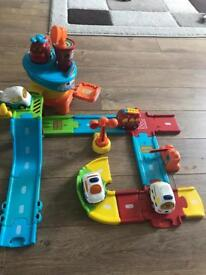 Toot Toot airport and 5 vehicles