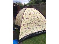 Flower pattern tent