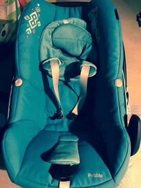 Maxi Cosi Pebble Car Seat, turquoise, with insert and liner, good condition.