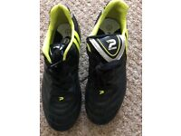 Football boots size uk1