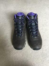 HI-TEC Waterproof walking boots