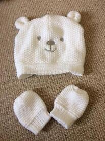 Baby's Hat And Mittens set