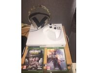 Xbox One S with Call Of Duty WW2, Battlefield 1, FIFA 17, 1 pad, Plantronics headset