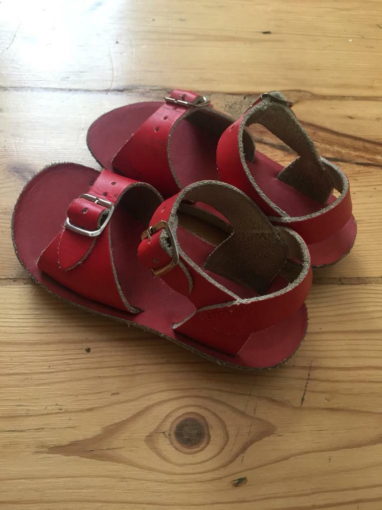 64fa0d32a592 Saltwater Sandals Child size 8