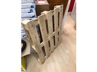 Free wood pallet